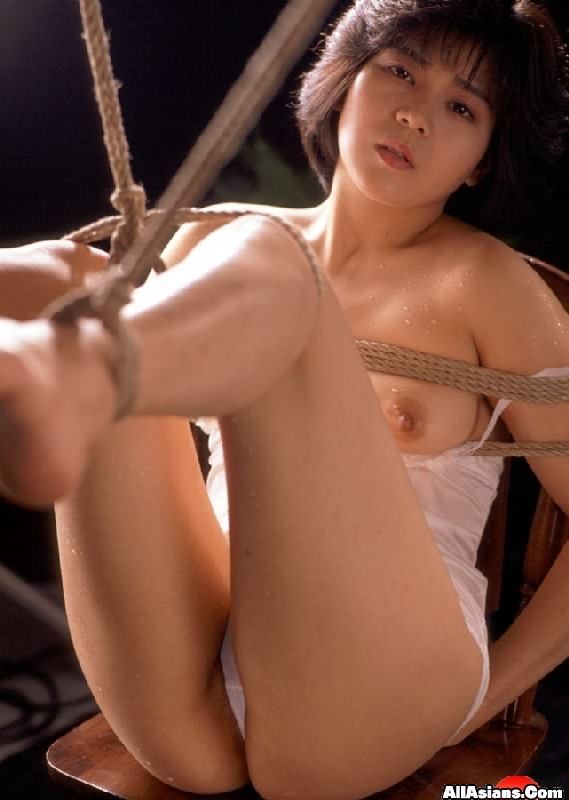 Can asian girl in ropes posing thank