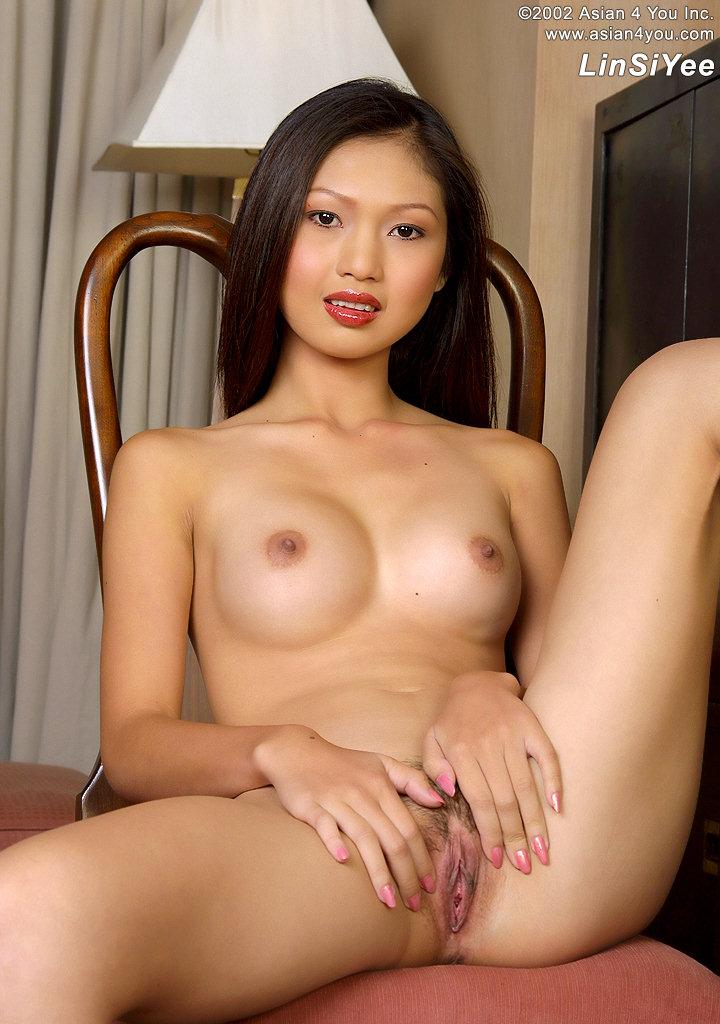 Tenn girl sucking boobs