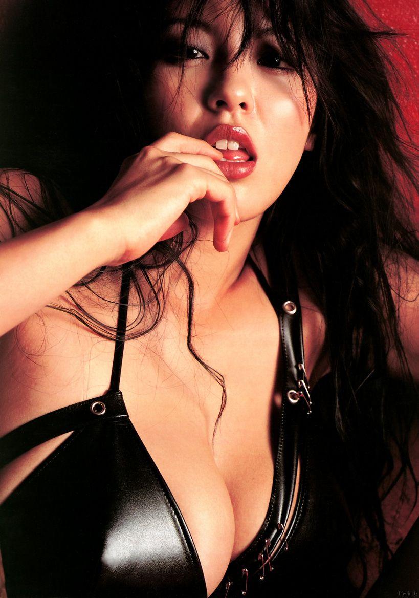 female-robot-harumi-nemoto-boob-slip
