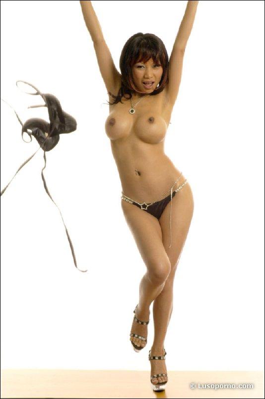 BustyAsians Sanny Aung 巨乳のAV女優 Japanese Model Sanny Aung Huge Big Tits in Bikini