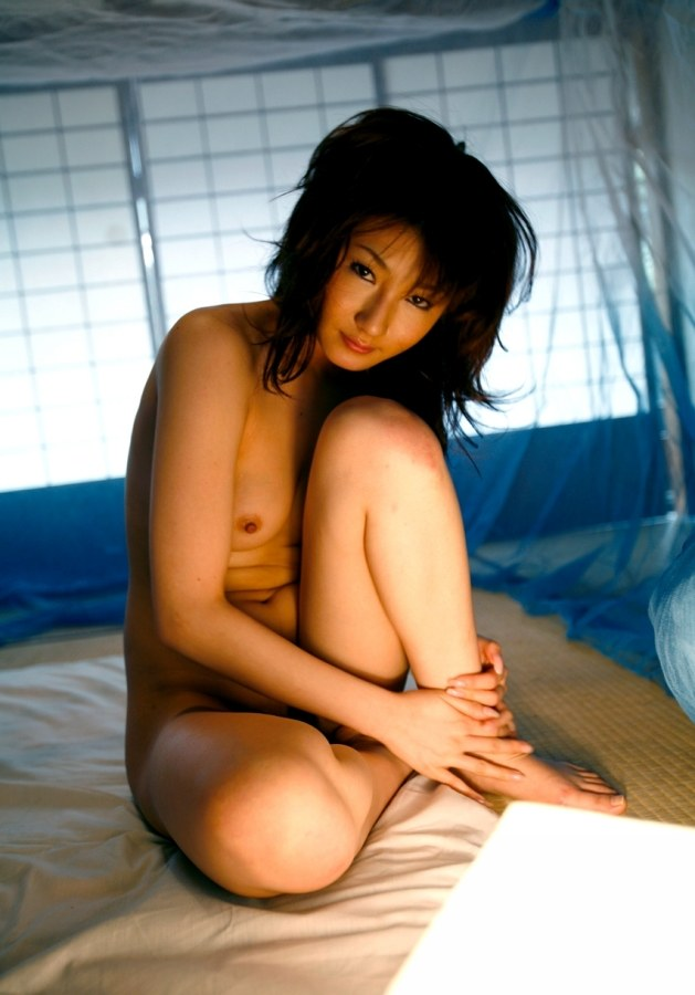 Reina mizuki makes magic with her wet pussy and mouth