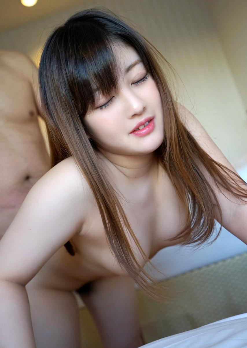 Akari Hayase порно модель