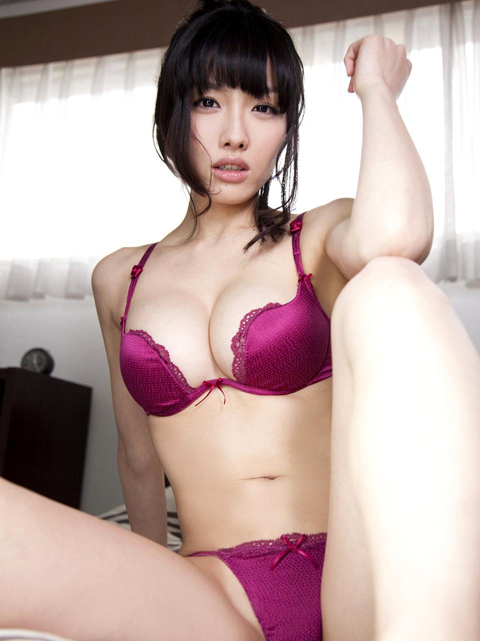 yaponki-v-seksualnom-bele