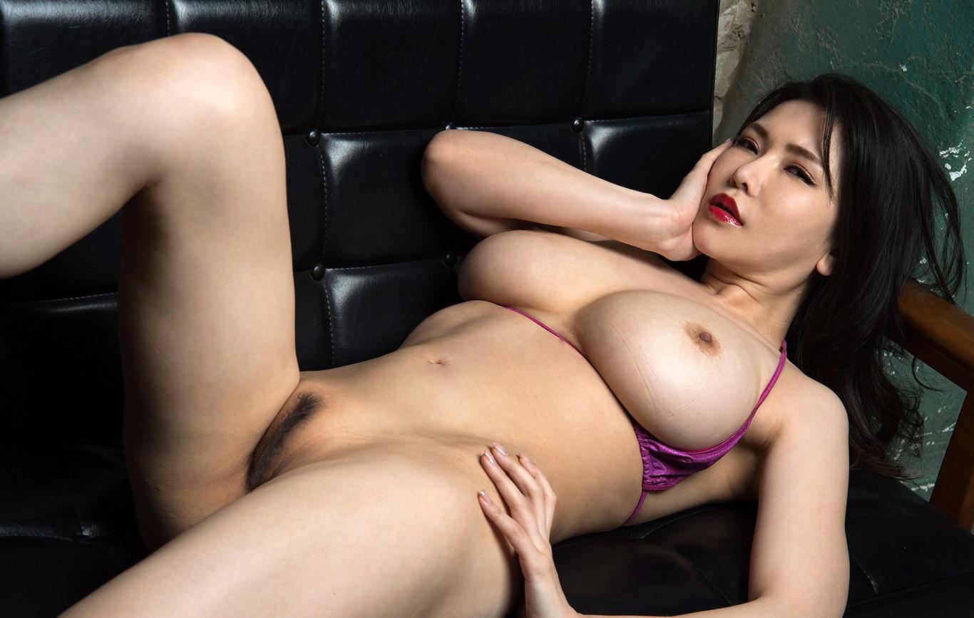 angelina jolie original sin sex scene