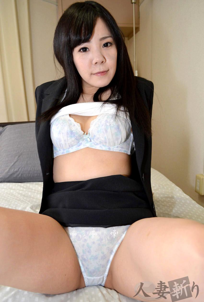 着衣 pussy ... 篠田絢 ...