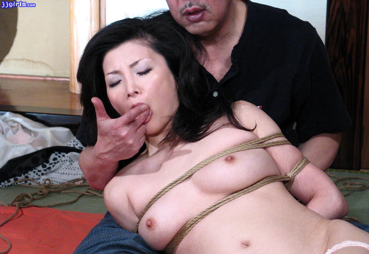 chisa kirishima bondage