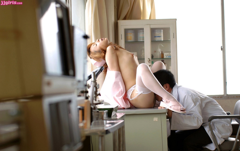 kunilingus-na-prieme-ginekologa