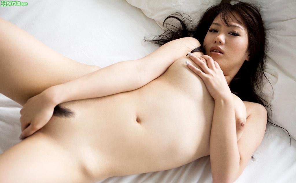 Curvy asian babe natsu ando bounces on rock solid cock - 4 6