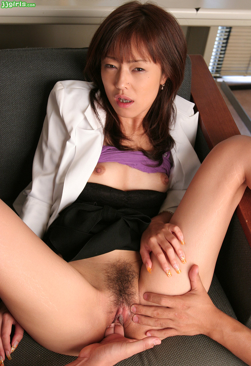 Mai satsuki gets hot and bothered serving tea to horny businessman