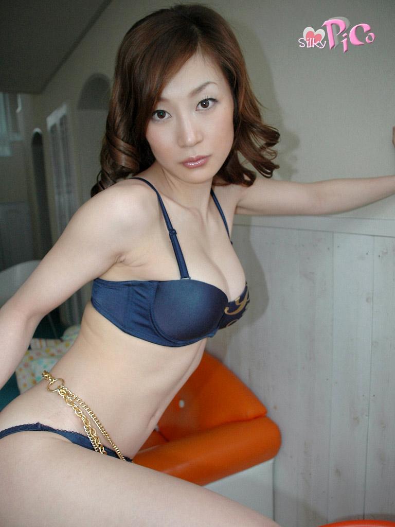 Mako KATASE - 片瀬まこ - photo gallery 005 - warashi asian ...