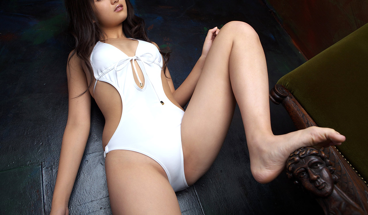 Long legs shaved pussy