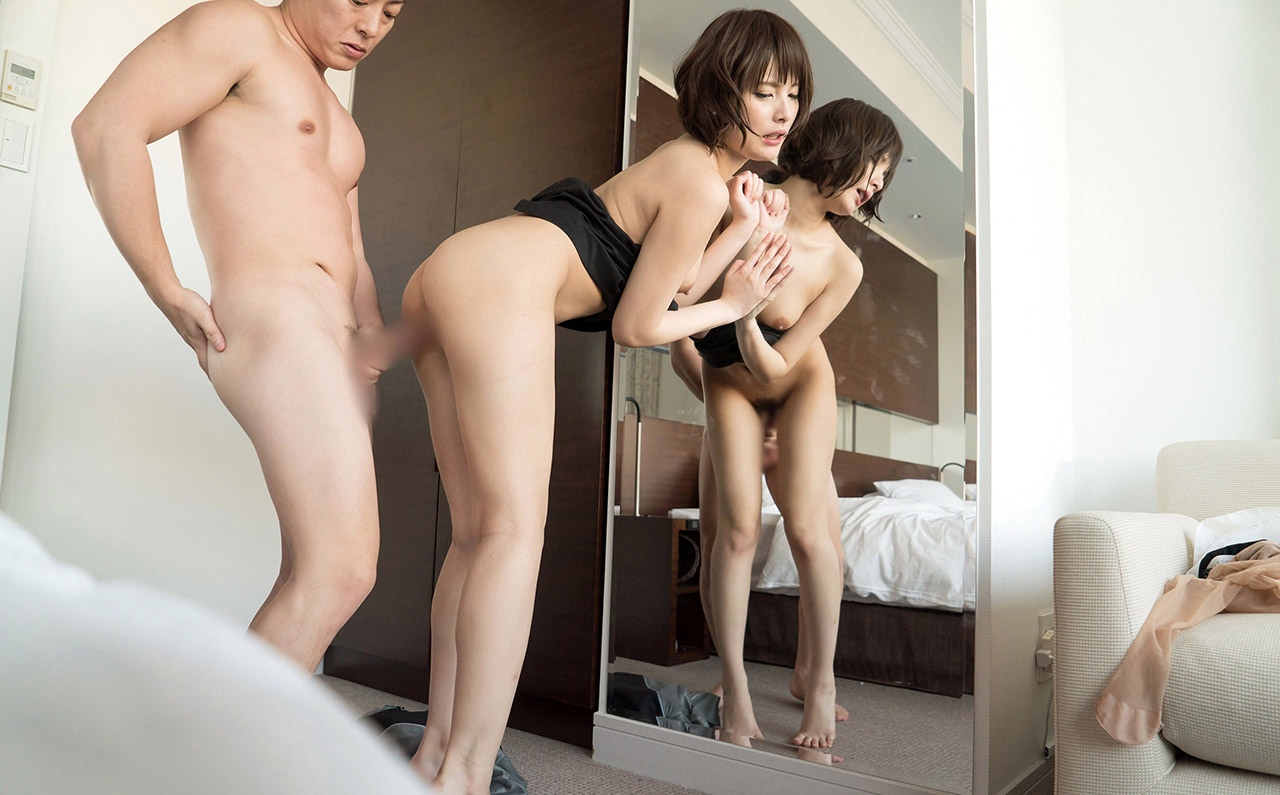 Chinese nude model get creampie by photographer 9