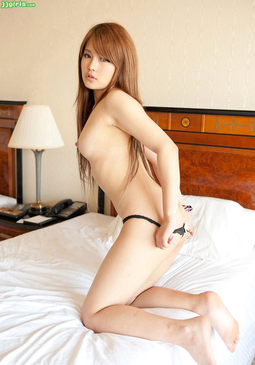Momo yurino jav