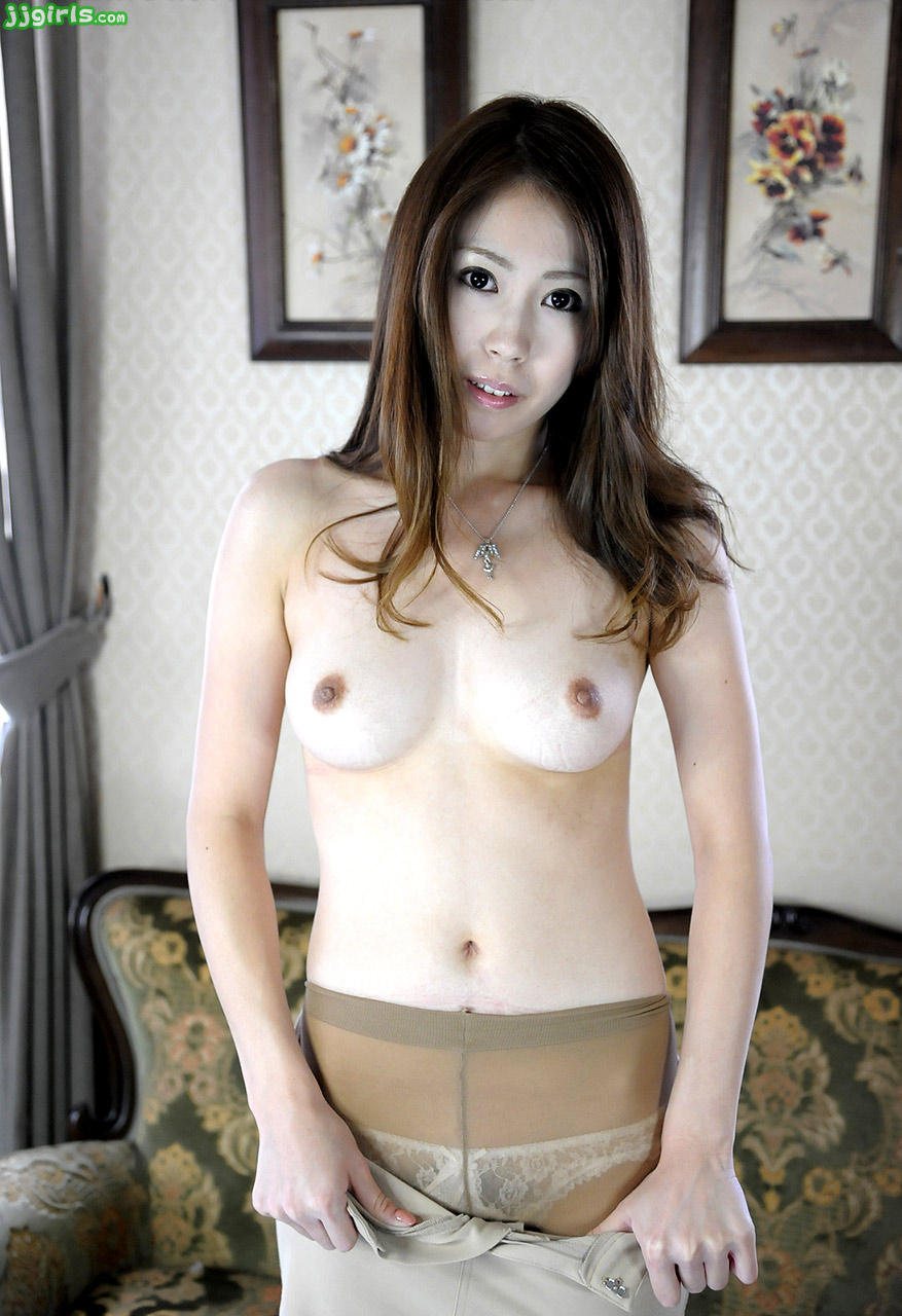 A hot japanese wife fucked in front of her husband 5