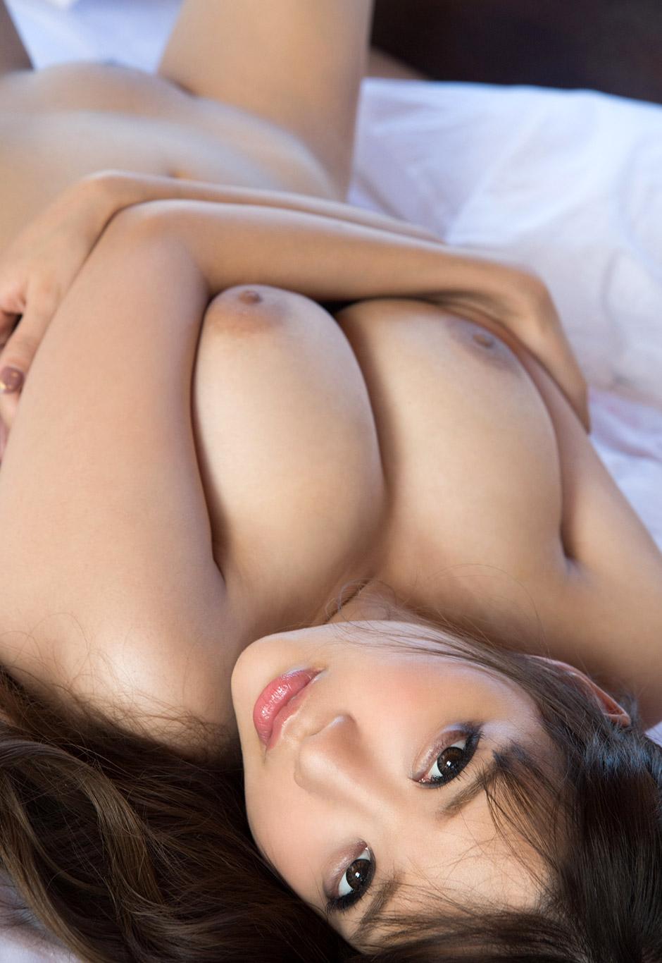 Rion ngực to nụ cười tỏa nắng