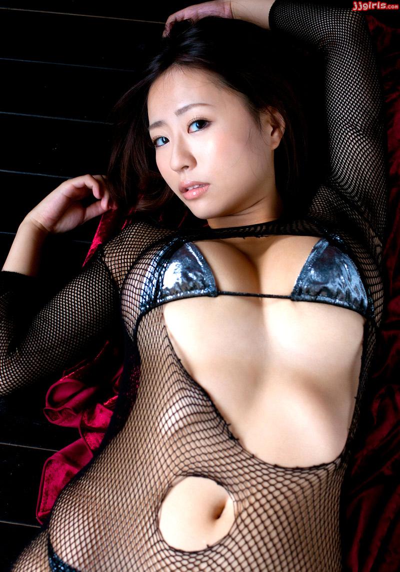 Flat boob porn