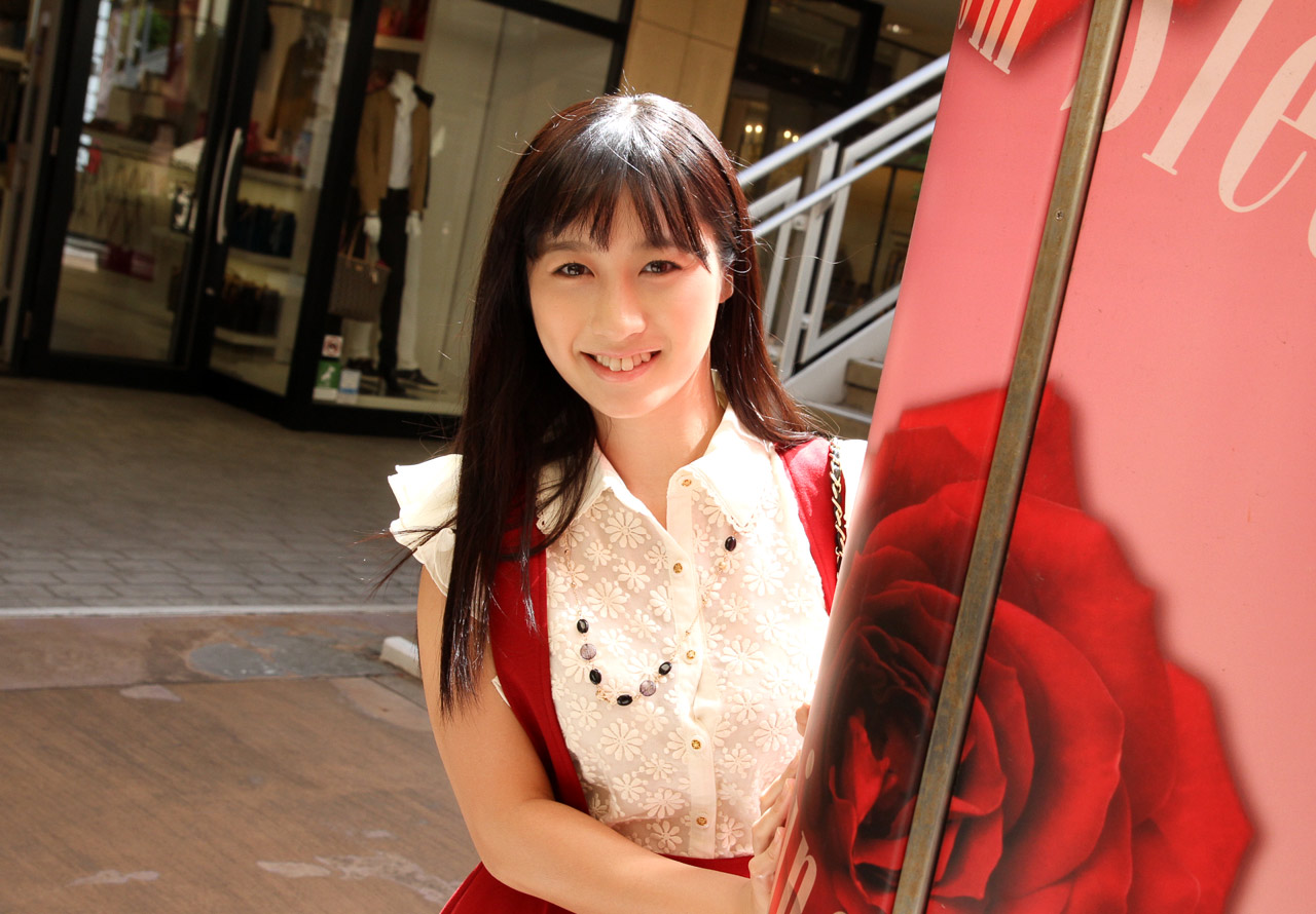 Tomomi Motozawa 本澤朋美