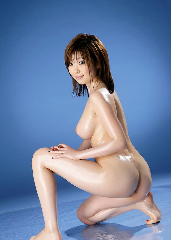 click here for more photos and videos of japanese models