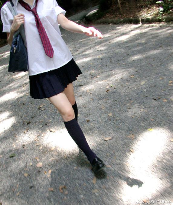 Голые школьницы снимаются в порно фильме онлайн Секс со