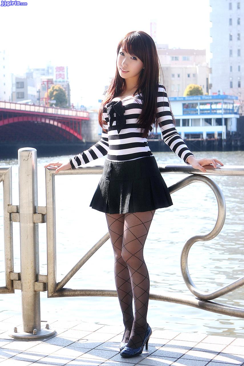 Teen girl shows feet