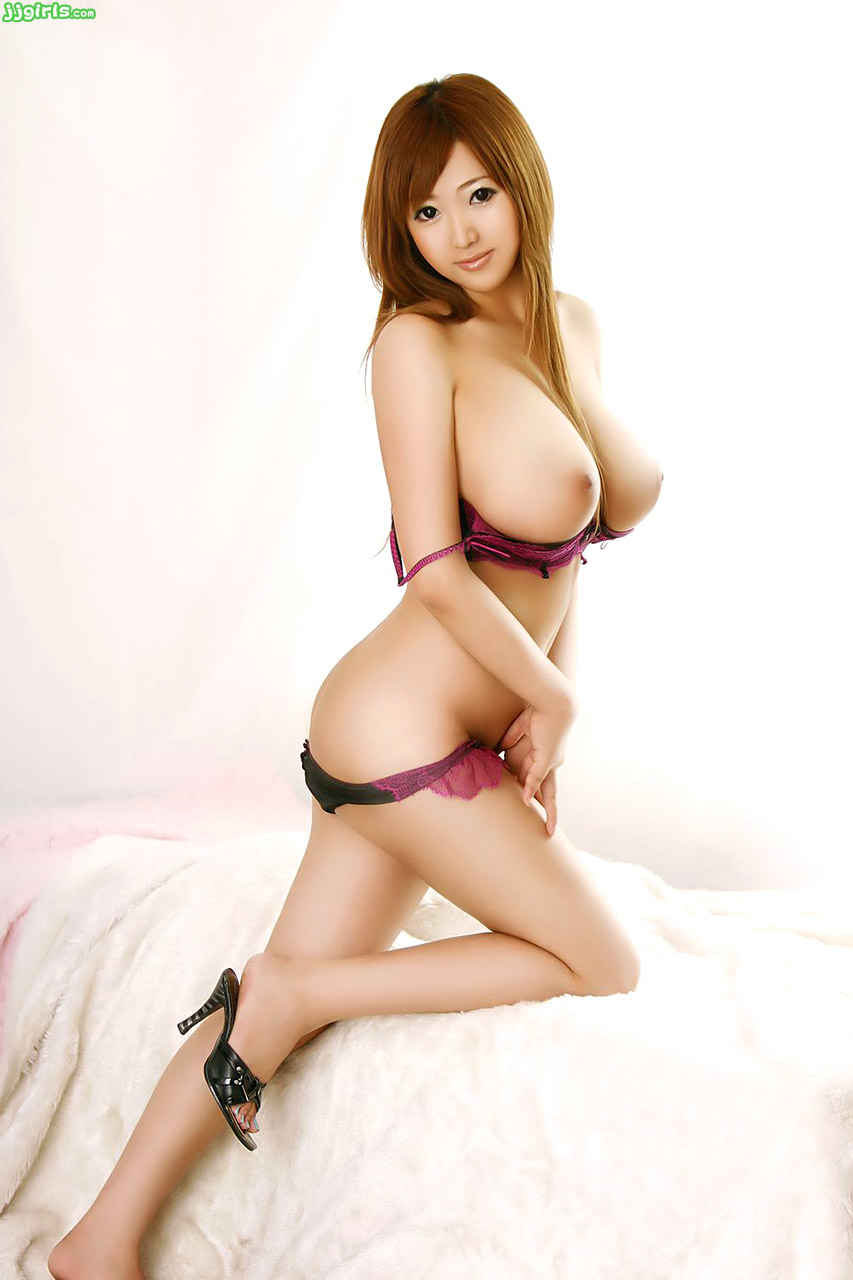 korean girl with big tits naked girls - aise