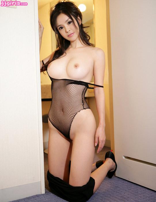 Young tiny blonde masturbate on webcam