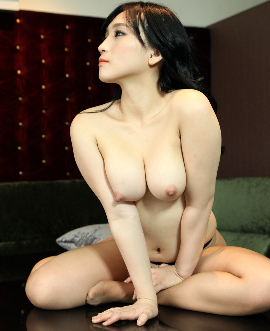 naked and sexy korean model
