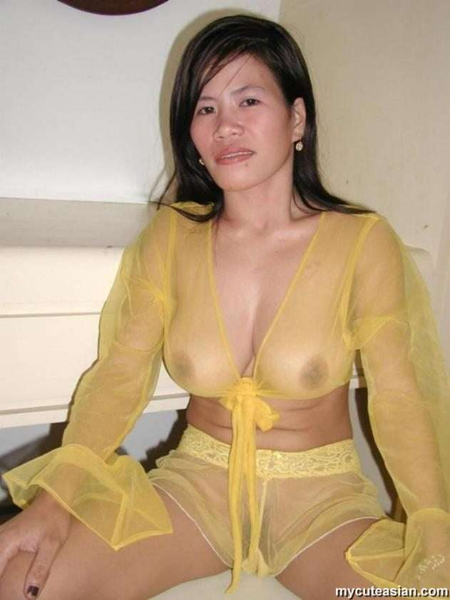 mycuteasian filipino asian amateur wife shows her pussy pics