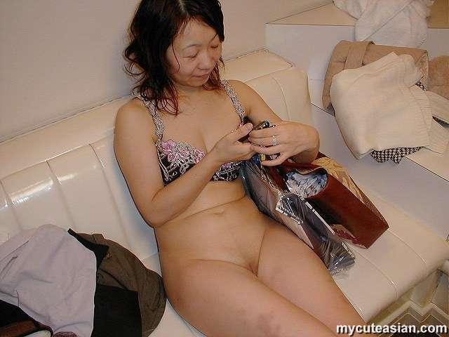 Cute nude hairy nude women