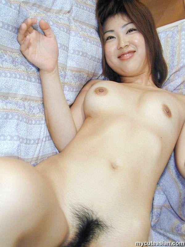 Busty nude car babe gifs