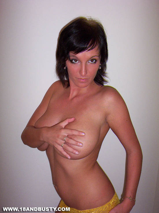 Natural sweetie is proud of her private parts 2
