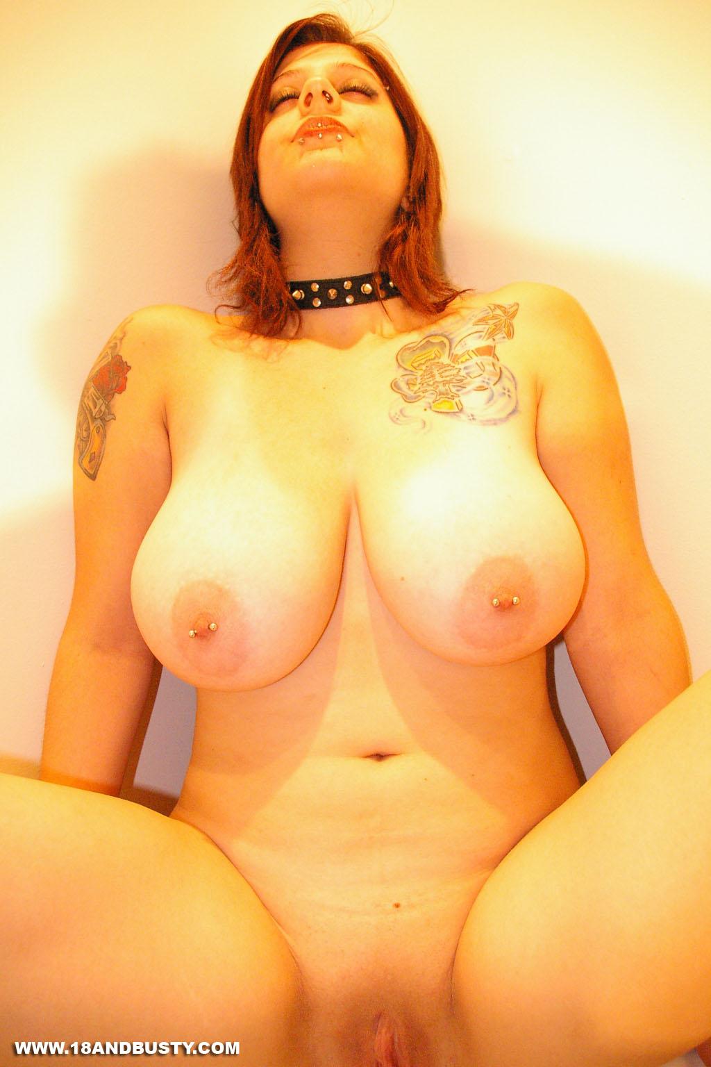 Busty gallery woman