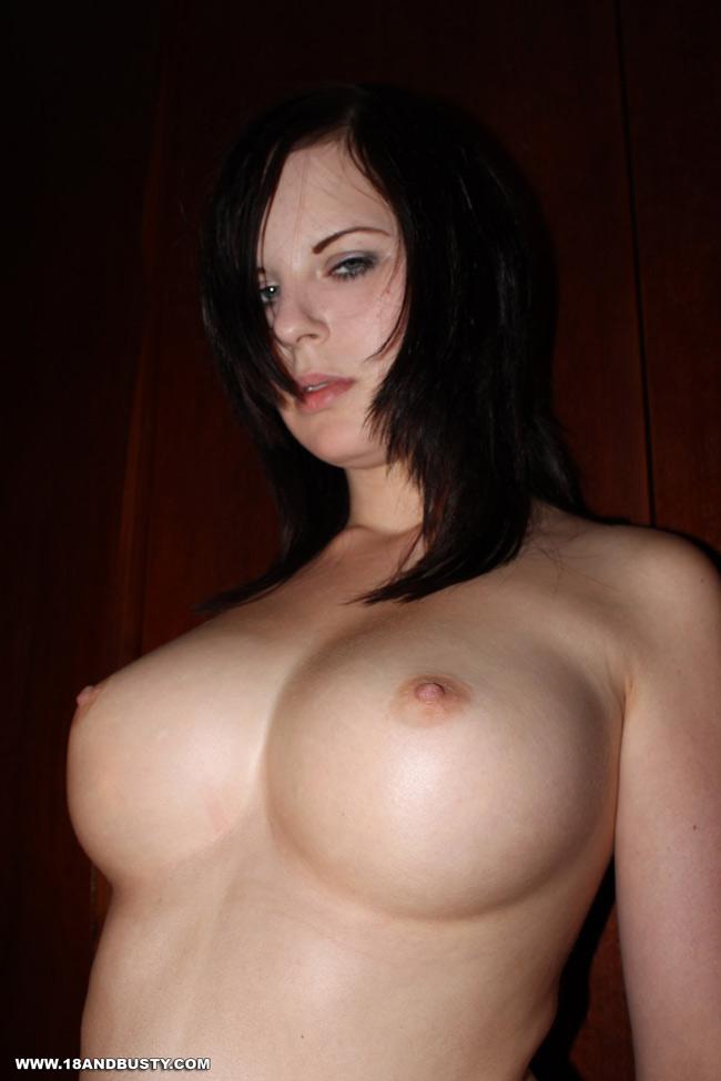 naked girl pics please fuck me