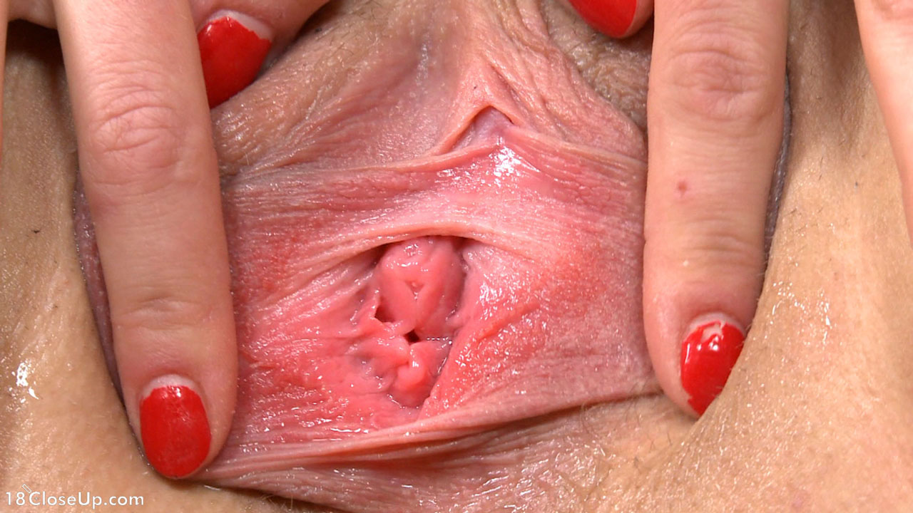 Jessica Shows Vaginal Muscles