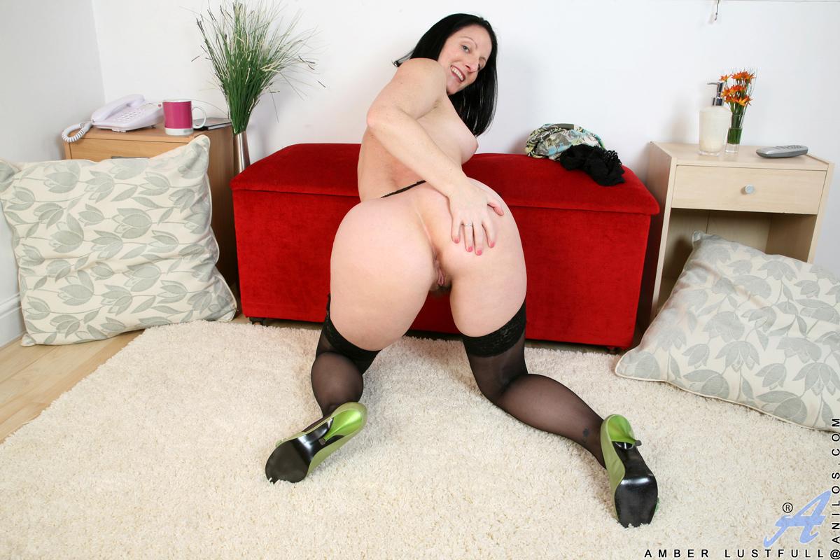 Bbw legs spread pussy