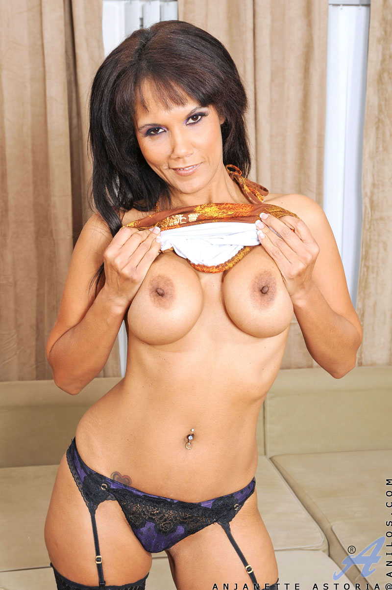 Hot horny milf cougars where