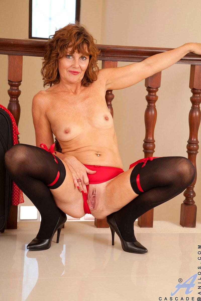 Anilos True Beauty Cascade Porn Model Nude Gallery