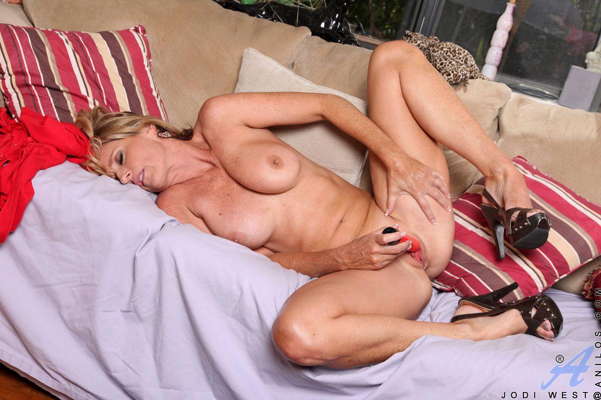 lesbian caught fucking