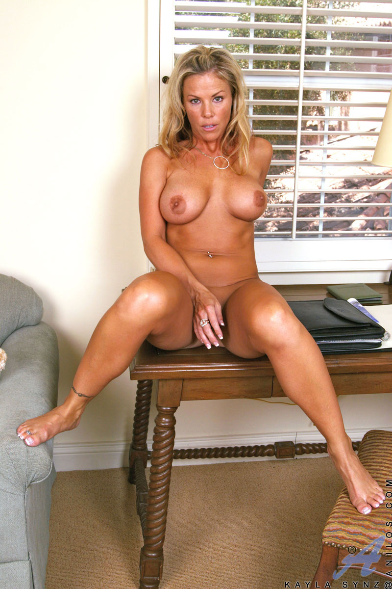 Topic Naked mature busty white women