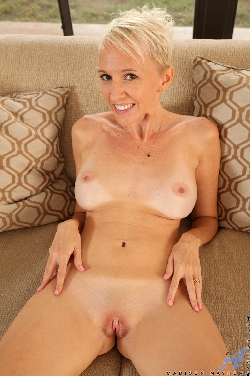 Your milf moms nude