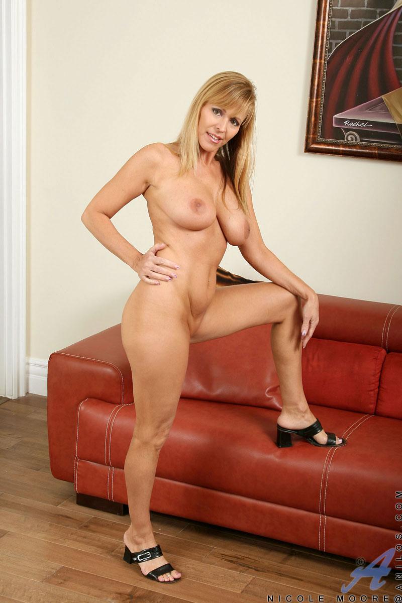 Christine bleakley fakes nude