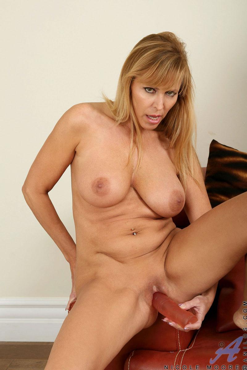 Anilos Nicole Moore Hot Pornstar Nude Gallery