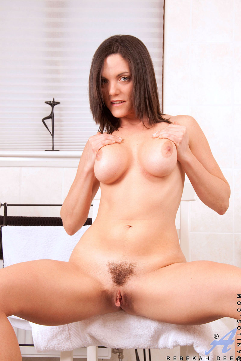 Sexy milf persia monir loves 20 year olds - 1 10