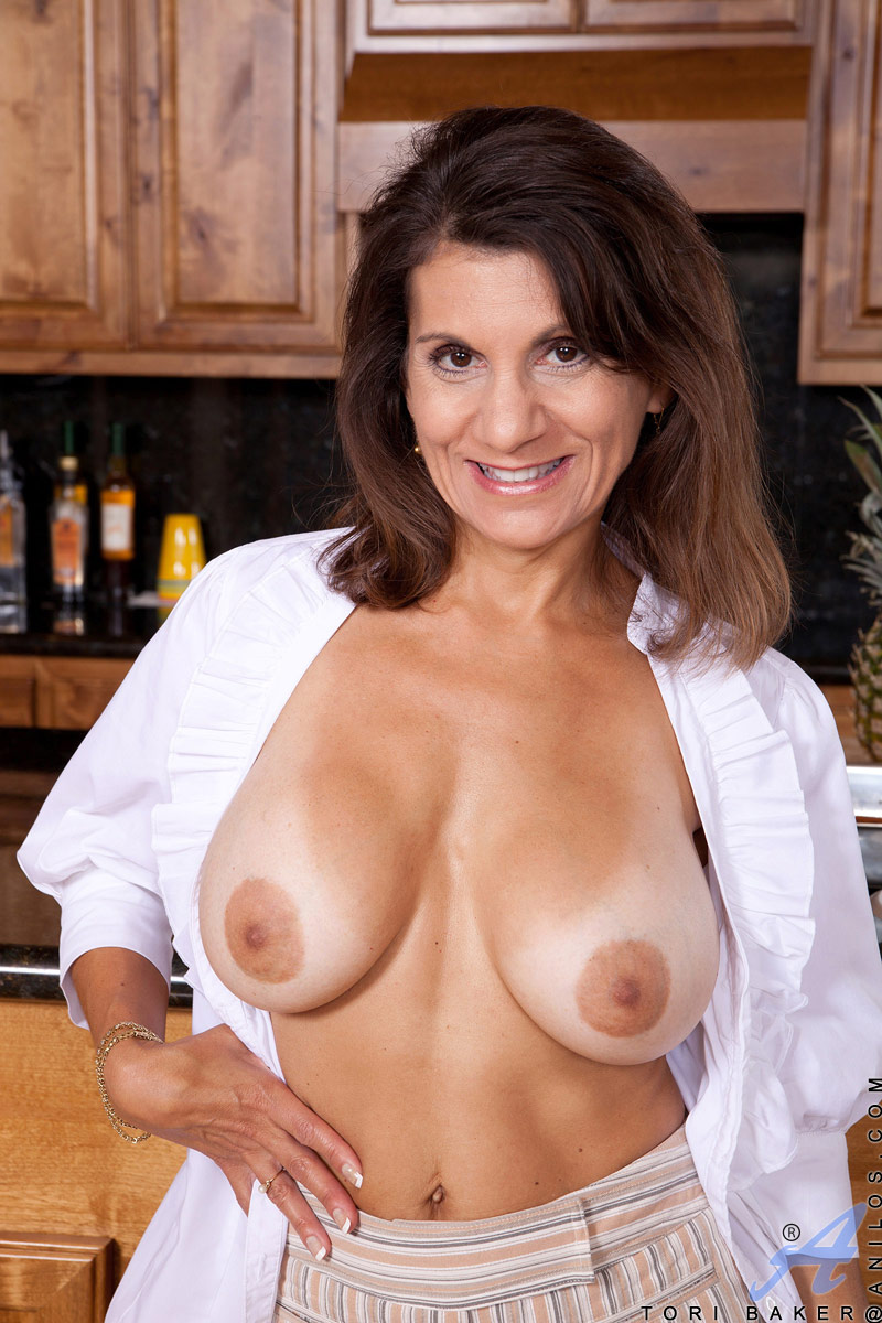 description tori baker is a shapely cougar with big beautiful breasts