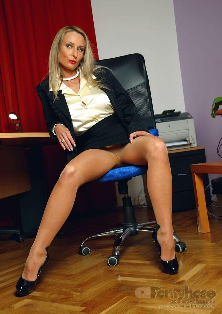 High heel erotic tgp