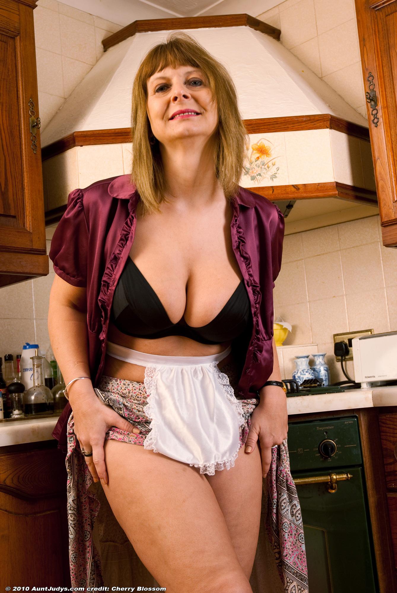 Latina erotic images