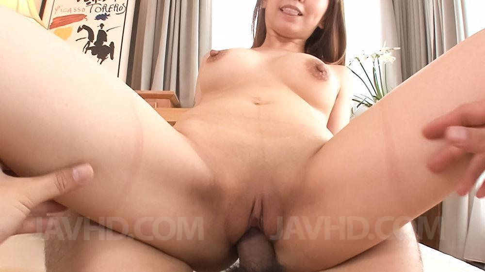 Rei minami sucks cock while is screwed in interracial threes - 2 5