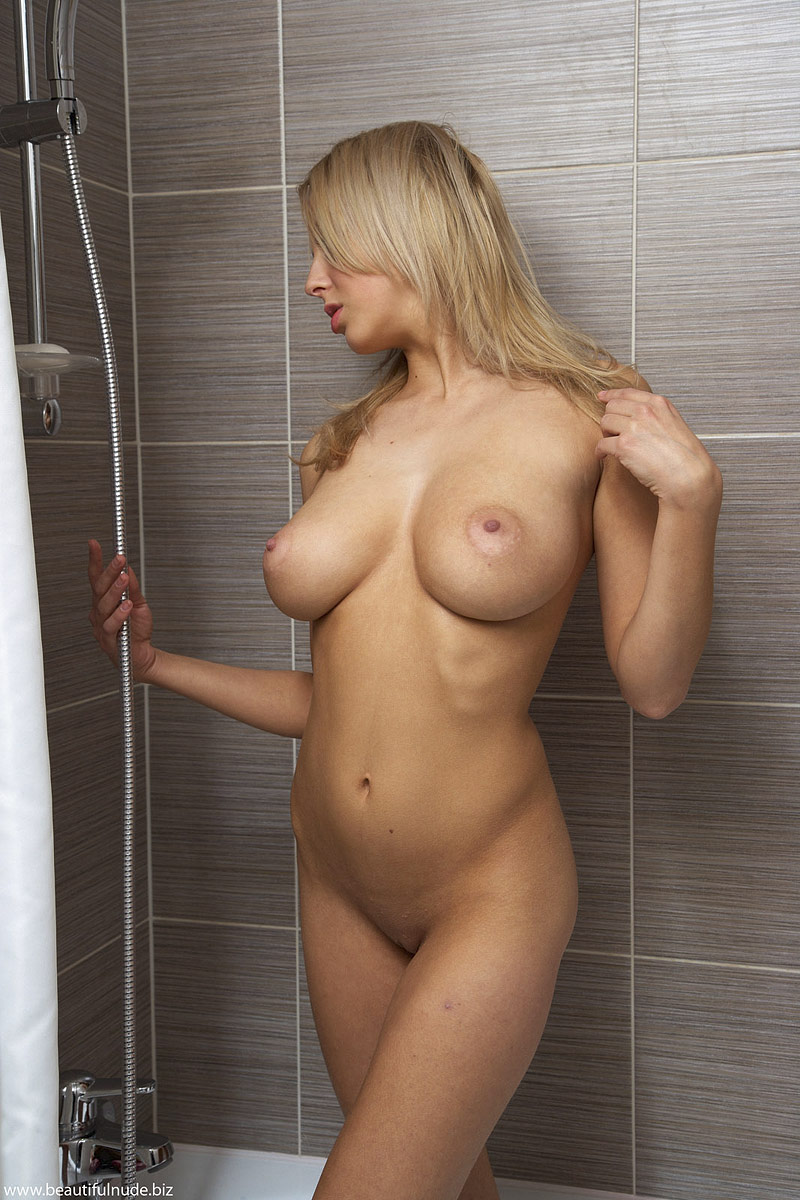 Hot girls in shower and naked women photos