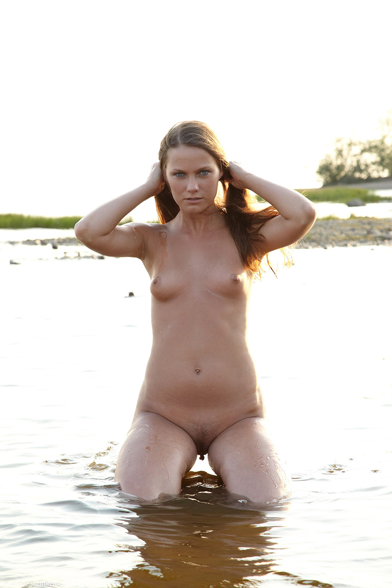 Nude mother hairy pussy