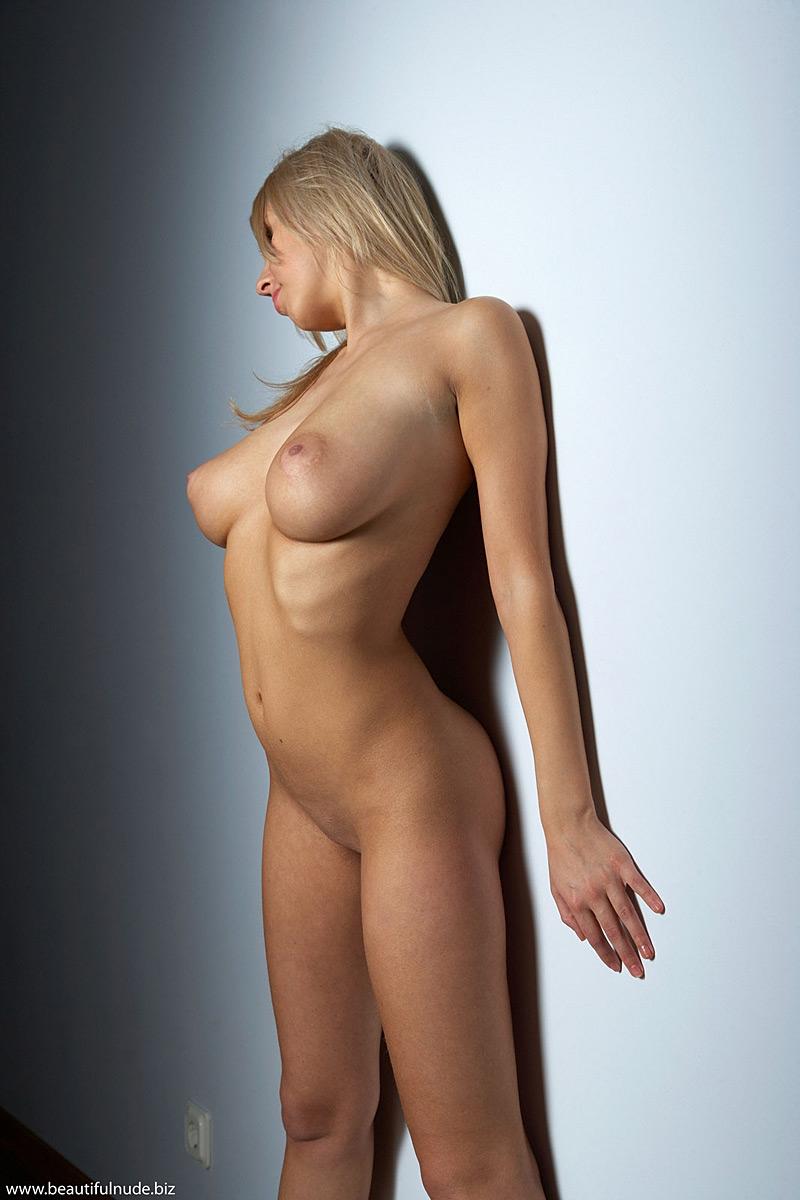 nude & beautiful